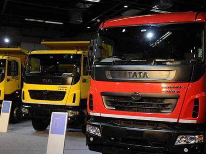 Commercial Vehicles Tata Motors To Invest Rs 4000 Cr