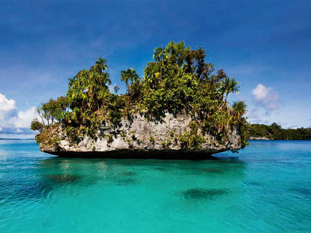 Palm-fringed beaches, astonishing coral reefs and turquoise-blue lagoons, discover Palau this season