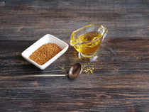 Furthermore, mustard oil may also be more beneficial than olive oil, which is typical to Mediterranean cooking, as well as other refined oils such as vegetable oils.
