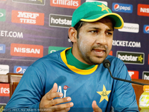 It was his day and as if he wanted to make a statement in his own style. Before the press conference began, Pakistan media manager announced that Sarfraz will make a statement.