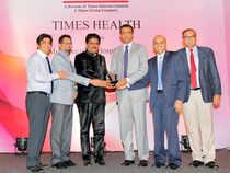 (From left) Dr Dhaval Bhatt, AGM, Clinical Admin, Dr Mihir Dalal, GM, Clinical Admin, Dr Deepak Sawant, Minister of Health and Family Welfare, Maharashtra Government, Dr Ram Narain, Executive Director, Dr Santosh Shetty, ED and COO, Shrenik Mehta, AVP, Media and Digital Initiatives.