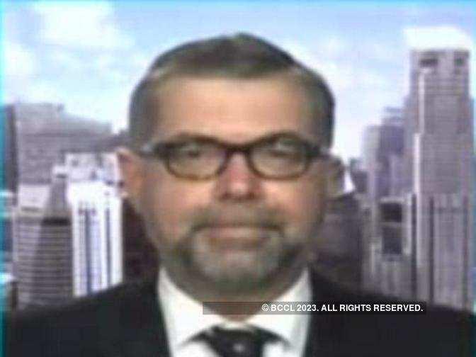 Central banks moving toward a less accommodative policy: Mark Matthews, Julius Baer