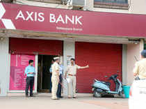 The surprise emergence of Axis Bank as a potential buyer indicates that Jasper Infotech — the holding company of Snapdeal — had been hawking FreeCharge to others as well.