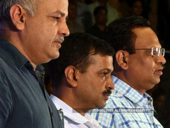 Delhi CM Kejriwal plans reshuffle, Sisodia to get tourism but lose 2 key departments
