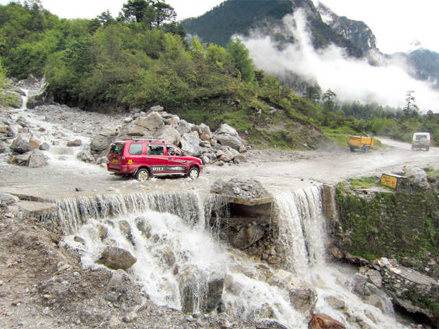 Want to experience scenic beauty and tranquillity at the same location? Visit Lachung in Sikkim
