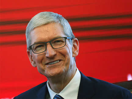 Apple CEO Tim Cook just made a huge donation to anti-hate groups after Charlottesville