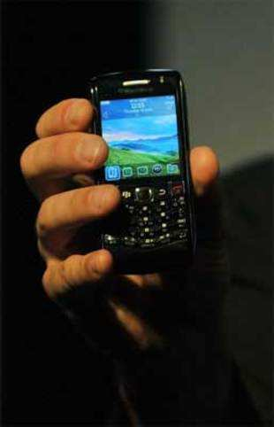 BlackBerry has to pass security muster in 15 days