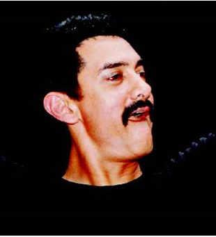 Aamir Khan's Delhi Belly beats Amitabh Bachchan's Bbuddah in box office battle