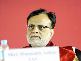 Govt to meet FY16 tax revenue target: Adhia