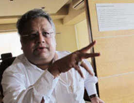 Jhunjhunwala bearish on e-comm biz model