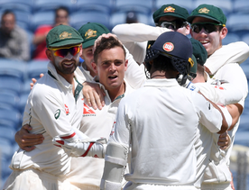 India loses 7 wickets for 11, all out for 105 v Aus