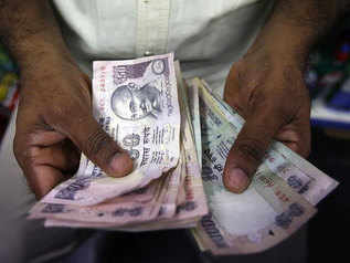 Government staff to get Pay Commission arrears in one go in August salary