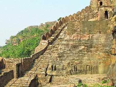Walls of the Kalinjar Fort changed history