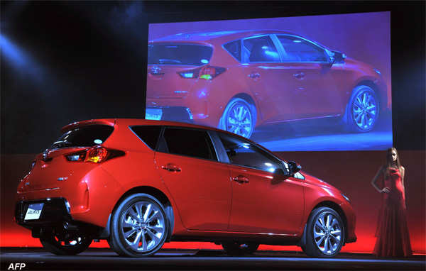 Toyota Launches New Auris Compact Hatchback In Japan The