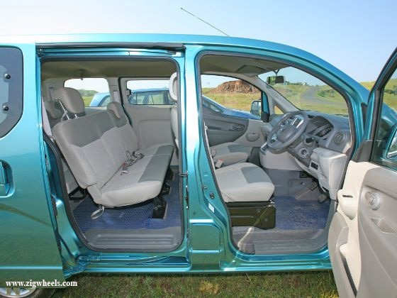Nissan Evalia vs Toyota Innova interior Evalia
