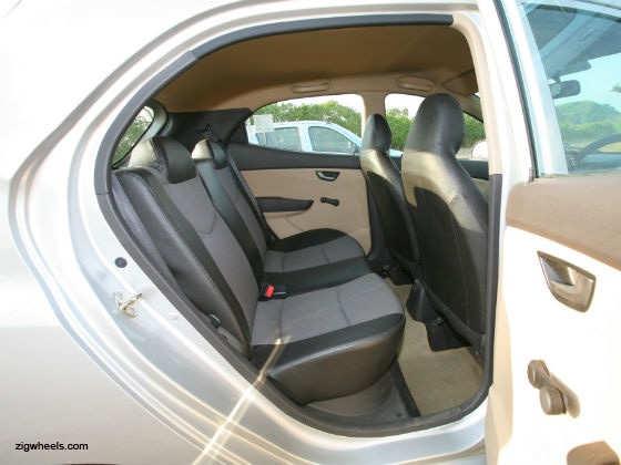 Hyundai Eon interior back