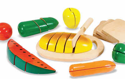 Vegetable cutting set