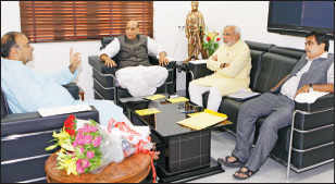Narendra Modi, Rajnath Singh, Arun Jaitley and others discuss government formation, role of patriarchs
