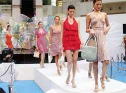 Is Indian market ready for virtual fashion onslaught?Is Indian market ready for virtual fashion onslaught?