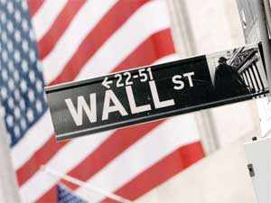 Wall Street ends near flat as Russia concerns linger