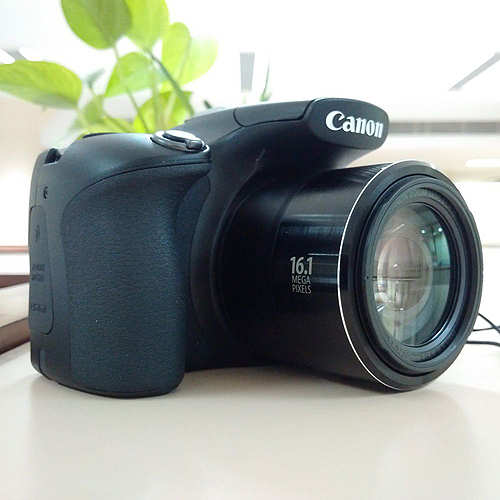 Gadget Review: Why Canon SX60 HS is not worth Rs 35,995