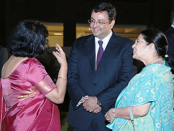 Politicians, CEOs & Bollywood - a starry turnout at Chanda Kochhar daughter's wedding