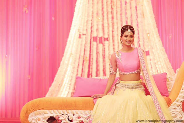 Exclusive look into Geeta Basra's 'mehendi' ceremony