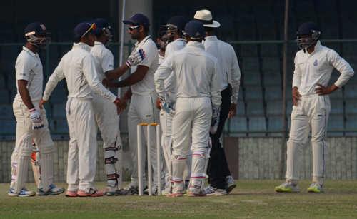 Gautam Gambhir loses cool, again!