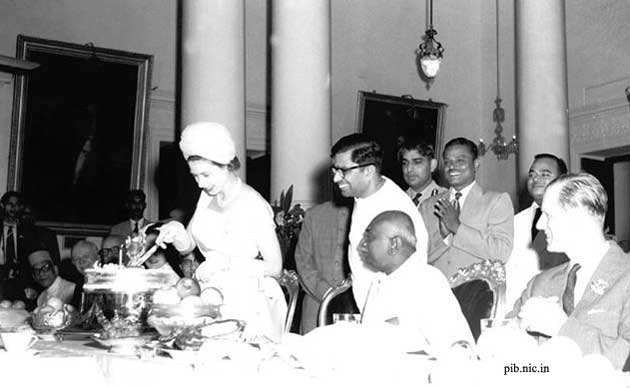 PM Narendra Modi presents Queen Elizabeth II pictures from her 1961 India visit and other exotic gifts