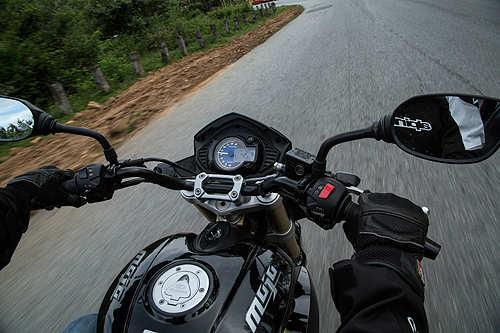 Mahindra Mojo: India's first home-grown 300cc tourer - The Economic