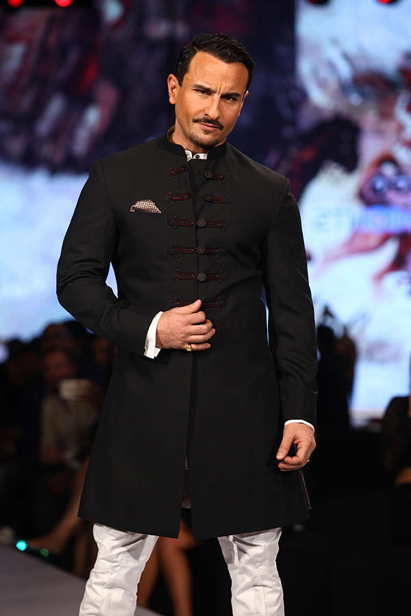 Saif Ali Khan walks the ramp for Raghavendra Rathore