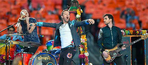 At Super Bowl, Coldplay shows some Hindi love!