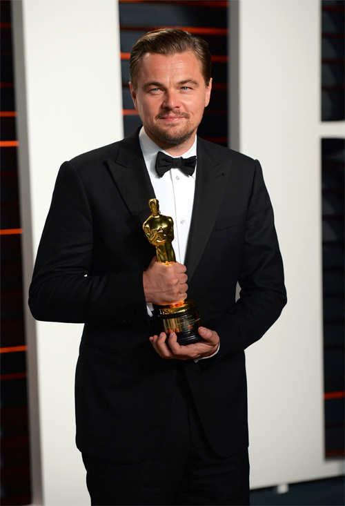 Leonardo DiCaprio breaks Oscar jinx, here's how the internet reacted!