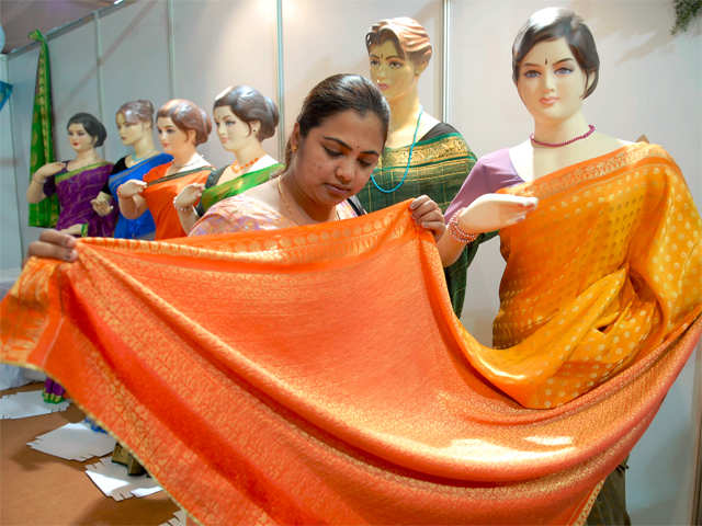 Keeping a tradition alive: 100-saree pact to support weavers
