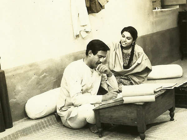 Director of hit TV drama Buniyaad, Ramesh Sippy, still not paid by Doordarshan