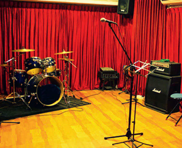 Want to do some guitar-jamming with your buddies? Rent a room for Rs 500 in Bengaluru