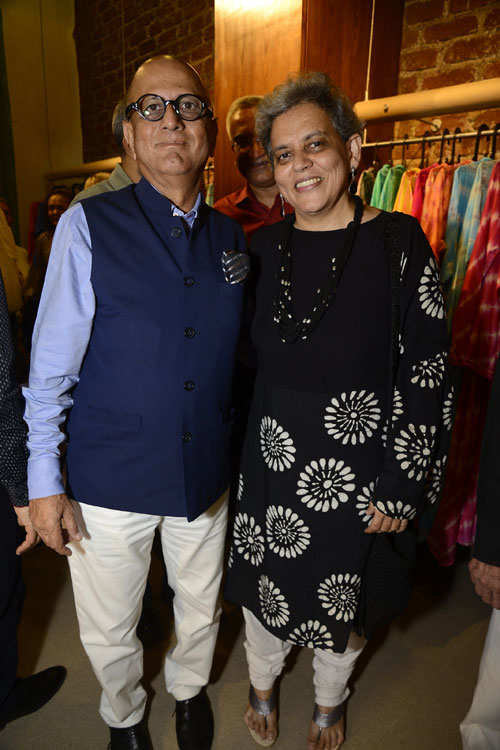 Dr. Batra, Juhi Chawla add value to the launch of a fashion boutique