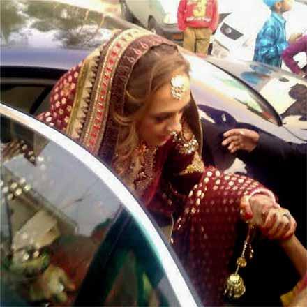 Yuvraj Singh, Hazel Keech tie the knot