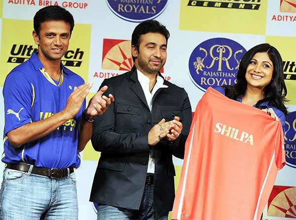 An IPL team to a $8-mn Bulgari necklace, here are the most expensive V-Day gifts ever