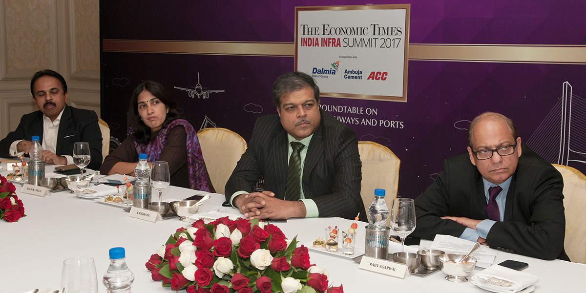 Sitting: left to right) Anil Radhakrishnan, CEO-Adani Logistics, Malavika Pillai, Portfolio Manager-Infrastructure & Natural Resources, Asia, IFC, Kaushik Pal, CEO-Roads Business, Reliance Infrastructure, Rajiv Agarwal, CEO & MD, Essar Ports