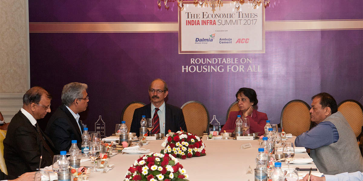 On the Lead Table : Nandita Chatterjee, Secretary, Housing and Urban Poverty Alleviation and Himangshu Watts, Senior Editor, The Economic Times moderating the panel. Industry representatives look forward