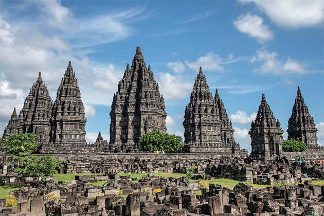 Hindu temples at Prambanan and the world's largest Buddhist shrine reveal fascinating slice of Indonesia