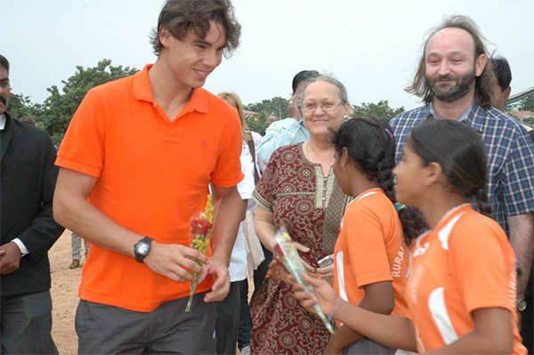 Rafa wins in Paris, 200 kids in Anantapur to celebrate with cake and games!