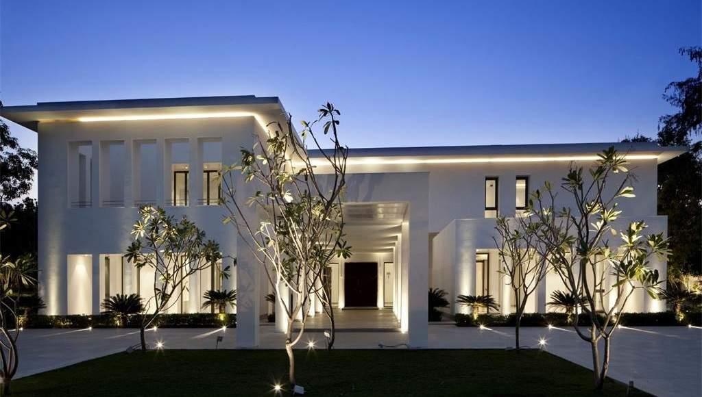 Amaya White Mansion