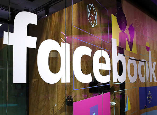 Facebook shuts AI system after chatbots create own language