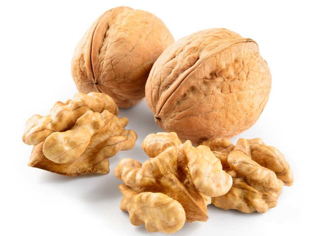 Feeling hungry all the time? Eat walnuts