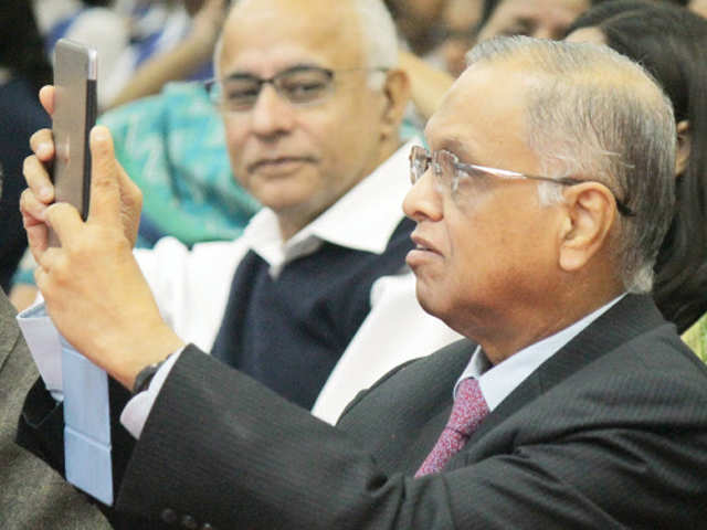 Infosys board attacks founder, Murthy brushes off allegations thumbnail