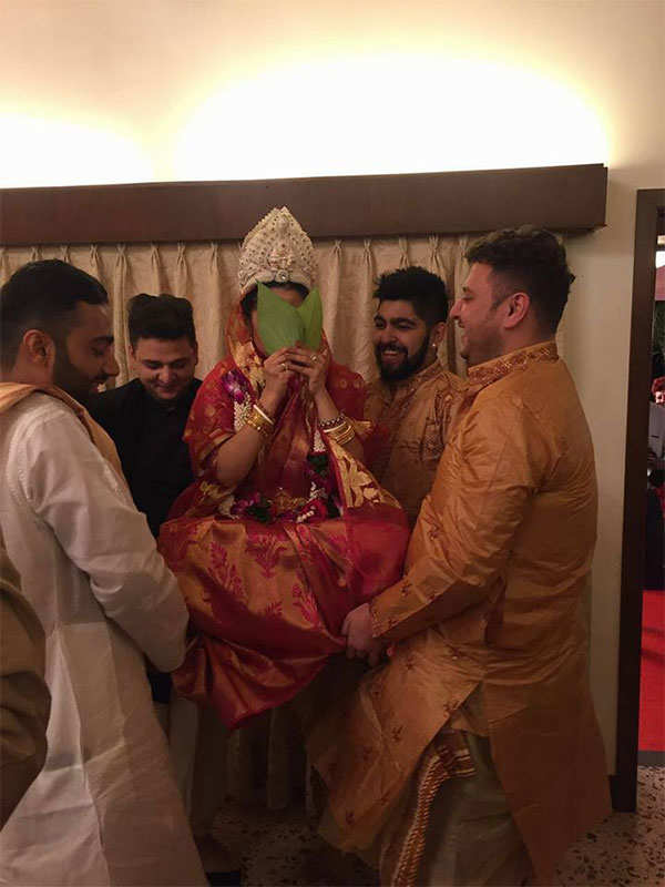 Riya Sen ties the knot with Shivam Tewari in private ceremony