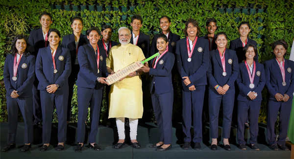 Kapil Dev bowled over by Indian women's cricket team