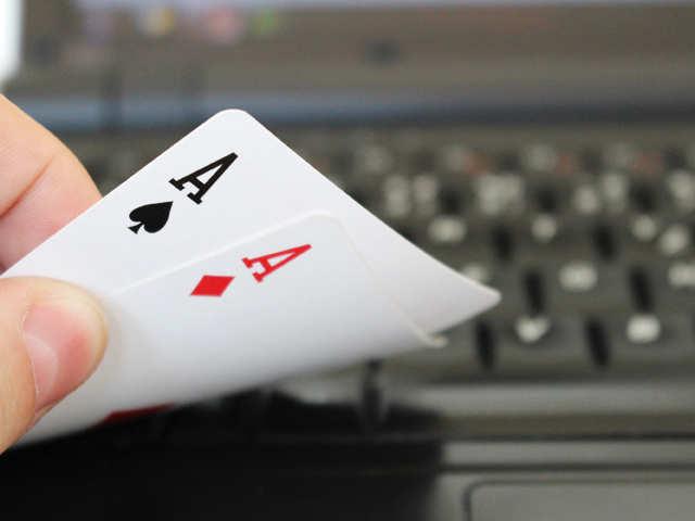 cards-poker1_thinkstock.jpg